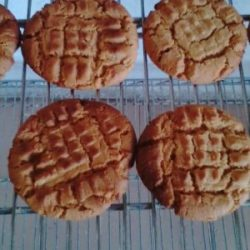 sweet-side-peanut-butter-biscuits